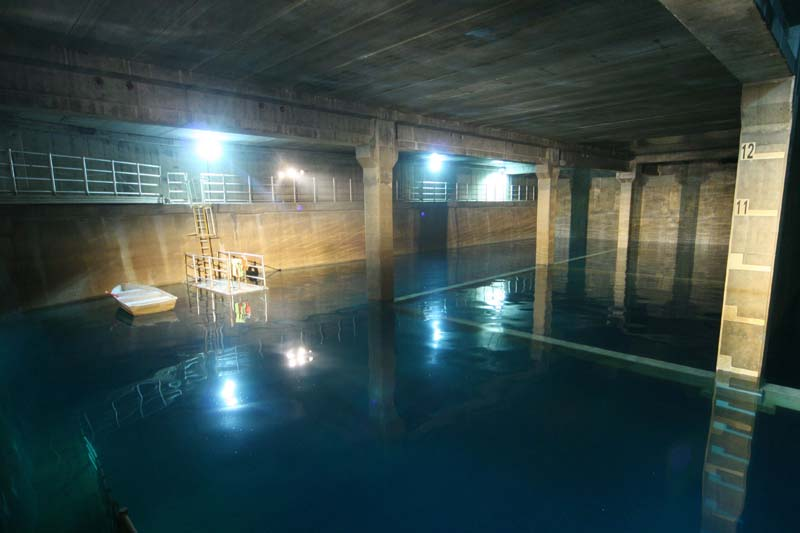 Photographing the interior of the pool after being filled with water